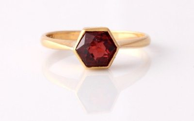 22ct Hexagonal Garnet Ring