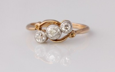 Antique Crossover Diamond Ring