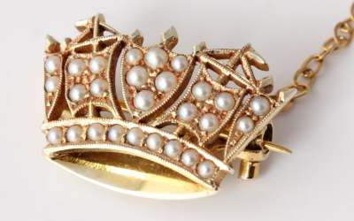 Pearl Gold Naval Crown Brooch