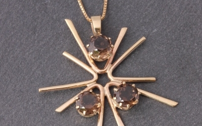 1970's Star Pendant Necklace